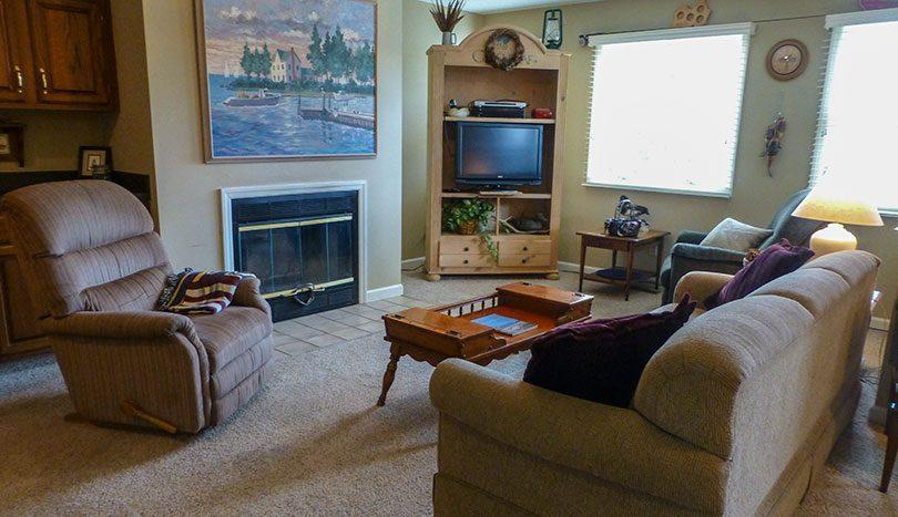4e Living Room